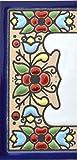 Letreros con numeros y letras en azulejo de ceramica, pintados a mano en técnica cuerda seca para nombres y direcciones. Texto personalizable. Diseño FLORES MINI 7,3 cm x 3,5 cm. (MARGEN 'CENEFA')