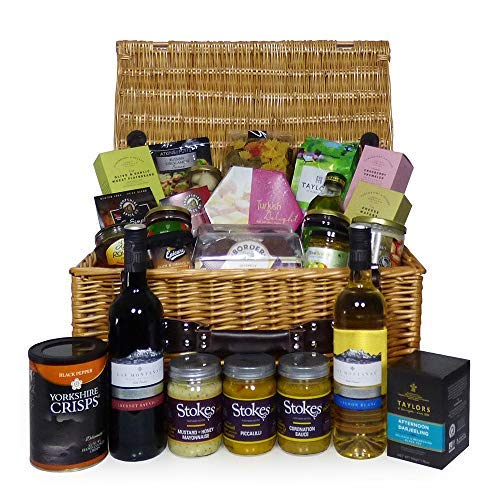 Gourmet Food and Wine Gift Hamper in a Traditional Style Wicker Basket - Includes 2 x 75cl Las Montanas Wines - Ideas for Birthday, Christmas, Anniversary, Thank You, Business, Corporate, Wedding