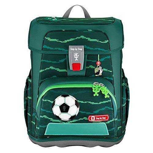 """Step by Step Schulranzen-Set Cloud """"Soccer Star"""" 5-teilig, grün, Fußball-Design, ergonomischer Tornister mit Reflektoren, höhenverstellbar mit Hüftgurt für Jungen ab der 1. Klasse, 19L"""