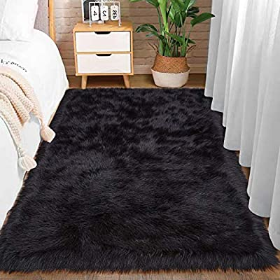 Comeet Super Soft Plush Faux Fur Sheepskin Area Rugs for Living Room Bedroom Shaggy Indoor Home Decor Bedside Sofa Chair Accent Teen Kids Girls Nursery Carpet Mat 3 x 5 Feet Black