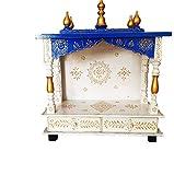 ब्लू और सफ़ेद रंगों से सजा मंदिर