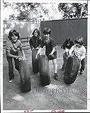 Immagini storiche -1976 Stampa Foto Pearl Studenti Giocare con pneumatici auto durante la ripresa - Houston