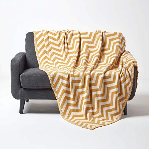 Homescapes gestrickte Tagesdecke mit Zick-Zack-Muster, weiche Wohndecke in Senfgelb, 100prozent Baumwolle, Strickdecke 150 x 200 cm, perfekt als Kuscheldecke, Sofaüberwurf, Bettüberwurf