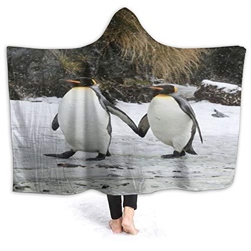 HATESAH Manta con Capucha,Pareja de pingüinos Emperador Caminando de la Mano en la Nieve.,Suave Siesta ponible Mantas de Viaje/Vacaciones/Casual 50x40