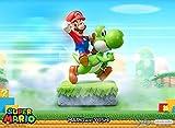 Statue en résine dimensions env. 48 x 33 x 24 cm sur socle décor Statue issue de la célèbre licence Nintendo Super Mario Base socle très détaillée Dimensions du colis (L x l x H) : 29 x 55 x 60 cm