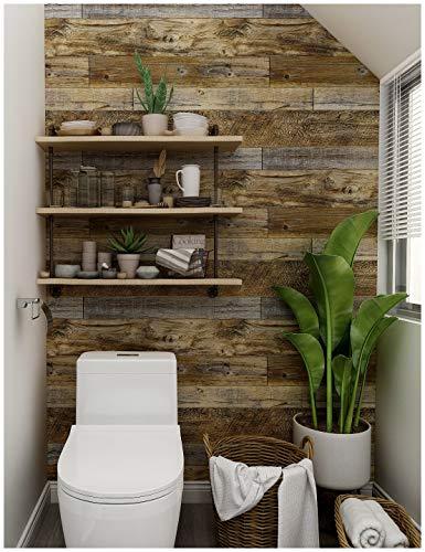 シンプルな壁紙が使われていることの多いトイレも、壁の一面を木目調に張り替えるだけでおしゃれに変身。アンティーク調の柄なら味わいが増します。  #壁紙シール #木目調 #茶色