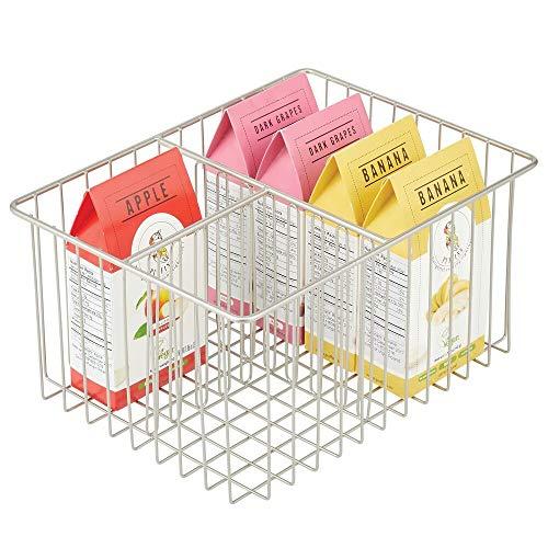 mDesign Caja multiusos de metal – Práctica cesta de almacenaje con 3 compartimentos para cocina, despensa y demás – Caja organizadora compacta y universal – plateado mate