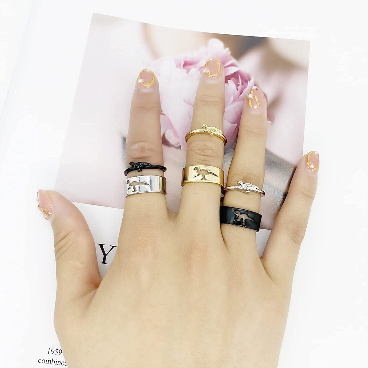 Matching Hollow Dinosaur Couple Open Rings Set,4Pcs Animal Dinosaur Knuckle Stackable Finger Rings Band Sets for Him Her Wedding Jewelry