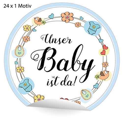 24 schattige lichtblauwe babystickers met krans van babyspullen, matte papieren stickers voor de geboorte van een jong, universele etiketten voor pakketten brieven etc. (ø 45 mm; 24 x 1 motief) Onze baby is er! 5 x 24 stickers