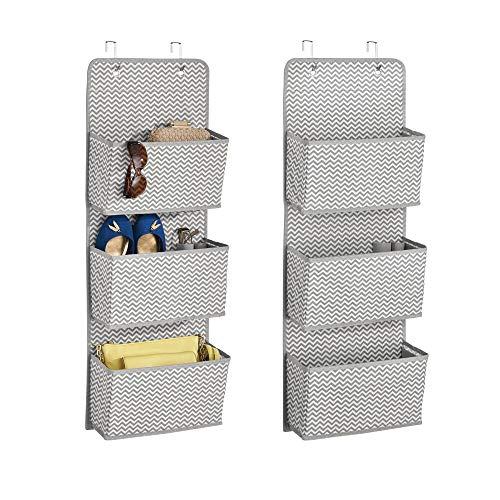 mDesign - Hangende opberger met 3 grote zakken - voor bergkasten in slaapkamers, hal, entree, bijkeuken - zacht materiaal/stof/gestructureerd patroon/deurbevestiging/inclusief haken - Grijs/crème - per 2 stuks verpakt