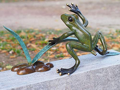 H. Packmor GmbH Bronzen sculptuur water voedsel kikker met riet vijver decoratie tuindecoratie