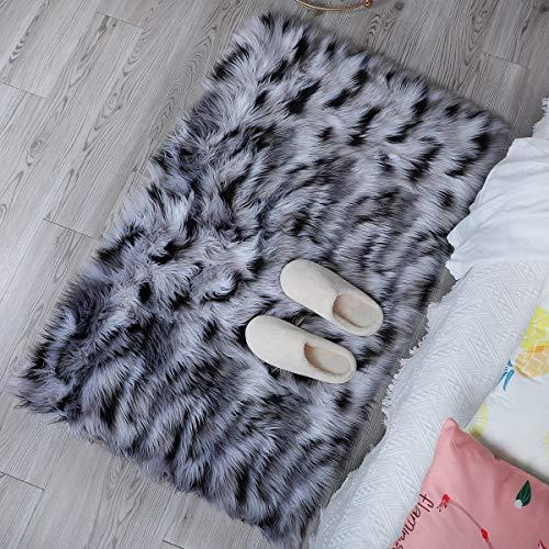 Alfombra de imitación de piel de cordero, artificial Alfombra, excelente piel sintética de calidad alfombra de lana ,Adecuado para salón dormitorio baño sofá silla cojín (Blanco + negro, 60x90cm)