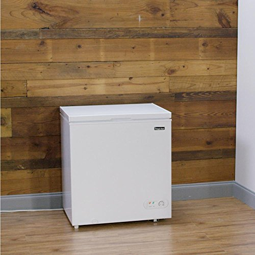 Magic Chef HMCF5W2 5.2 cu. ft. Chest Freezer in White
