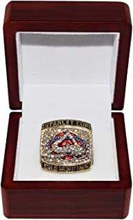 COLORADO AVALANCHE (Ray Bourque) 2001 STANLEY CUP FINALS CHAMPIONS Teamwork Vintage Collectible High-Quality Replica Gold Hockey Championship Ring with Cherrywood Display Box