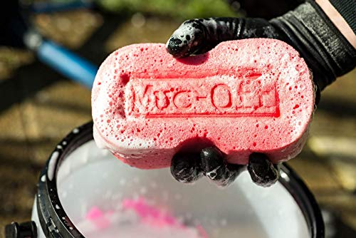 Muc-Off Expanding Sponge - Premium Microcell Bike Cleaning Sponge With Ergonomic Shape For Maximum Comfort And Ease Of Use
