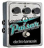 Electro Harmonix Stereo Pulsar Stereo Pulsar Pedal - Pedal de efecto vibrato para guitarra, color plateado