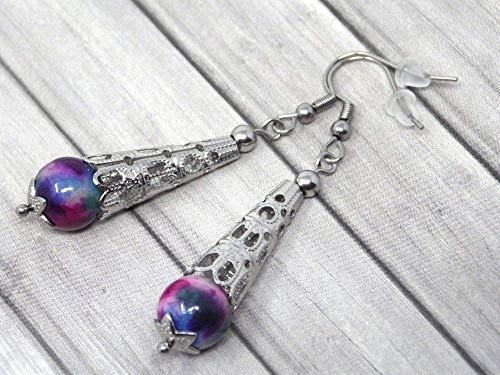 Pendientes de acero inoxidable para mujer con cono de filigrana de acero y perlas de jade teñidas en violeta, azul y blanco.