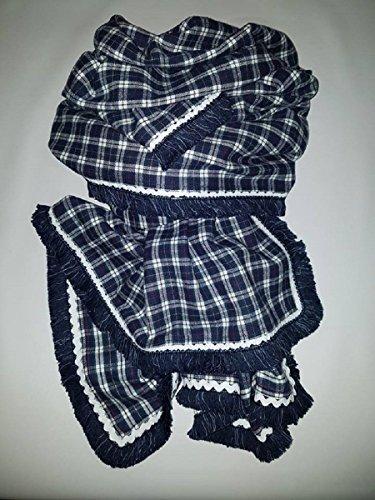 Pañuelo-Chal elaborado a mano a doble cara, con ondulina y fleco vaquero. Diseño único y exclusivo.
