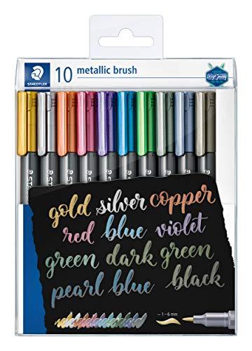 STAEDTLER metallic brush Marker, Pinselspitze, Lininenbreite 1-2 mm, deckend auf hellem und dunklem Papier, leicht abwischbar von glatten Oberflächen, 10 Marker in transparentem Etui, 8321 TB10