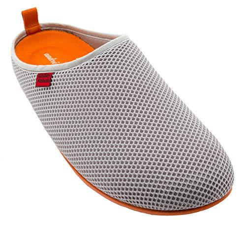 Unisex Hausschuhe in Grau für Damen / Herren – für den Sommer – Pantoffeln - DYNAMIC – mit atmungsaktiver technischer 3D Netzstruktur – rutschfeste orange Gummisohle und herausnehmbares Fußbett EU 44