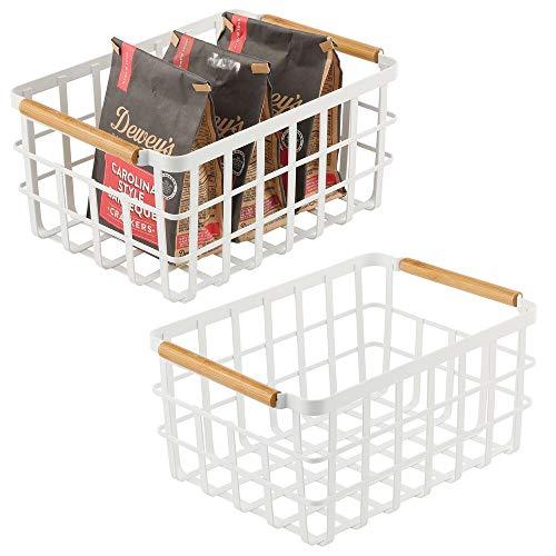 mDesign Caja multiusos de metal – Caja organizadora multifunción para cocina, despensa, etc. – Cesta de almacenaje de alambre, compacta y universal con asas de bambú – Juego de 2 – blanco mate/bambú