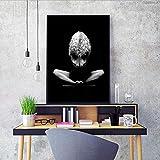 yhyxll Mujer Blanco Negro Body Art Poster Decoración de la Sala Imagen en la Pared Imagen Decoración para el hogar Lienzo Pintura al óleo Sin Marco C 60X80CM
