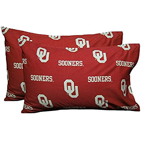 Amazon Com College Covers South Carolina Gamecocks Pillowcase Pair Solid Includes 2 Standard Pillowcases Home Kitchen