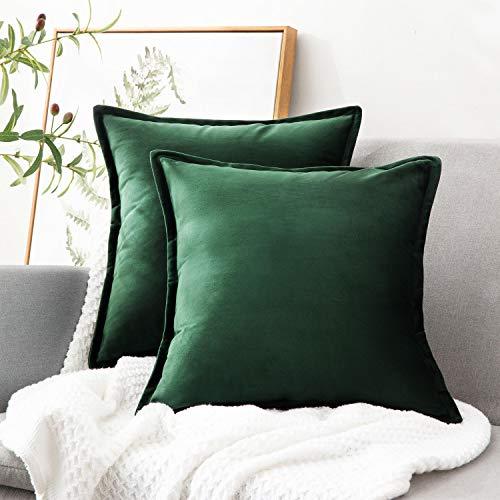 Bedsure Fundas de almohada de terciopelo verde, 20 x 20 cm, 2 fundas de almohada decorativas para sofá, funda de cojín suave y sólida