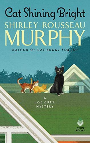 Cat Shining Bright: A Joe Grey Mystery (Joe Grey Mystery Series Book 20) (English Edition)