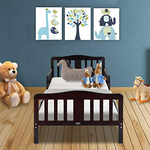 Contemporary Toddler Bed by Bonnlo*
