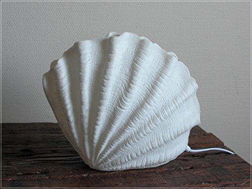 Maritime Tischleuchte in Form einer Muschel