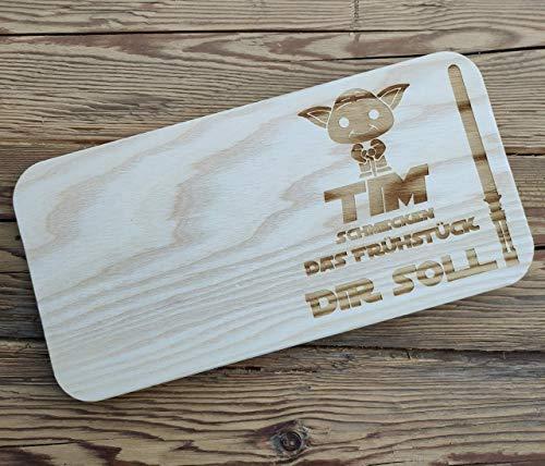 Personalisiserte Frühstücksbrettchen Brettchen aus Holz für Kinder | Vesperbrett mit Motiv Yoda | Brettchen mit Namen und Spruch | Vesperbretter mit Wunschnamen