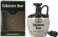 Avec ses arômes doux et moelleux, Tullamore D.E.W. fait partie des whiskys irlandais les plus populaires et ayant le plus de caractère au monde. Il est distillé depuis1829 dans le Comté d'Offaly, au cœur de l'Irlande. En Allemagne, Tullamore D.E.W. ...