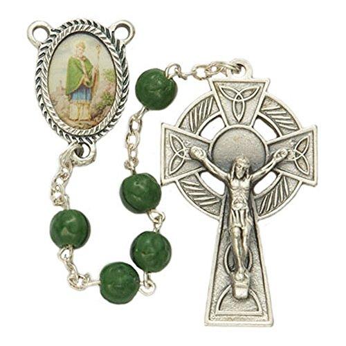 TrueFaithJewelry Green Shamrock Prayer Bead Celtic Rosary with Saint Patrick Photo Center, 18 Inch