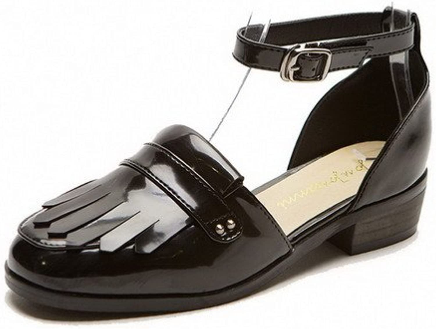 AllhqFashion Women's Patent Leather Round Closed Toe Low-Heels Buckle Solid Sandals