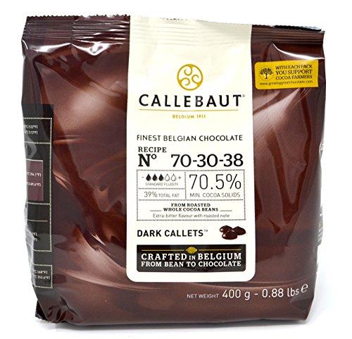 Callebaut N° 70-30-38 (70,5%) - Gotas de cobertura de chocolate negro belga (callets) fáciles de fundir Chocolate negro extra amargo con un toque intenso de cacao tostado. La receta n° 70-30-38 es uno de los chocolates negros favoritos de muchos chef...