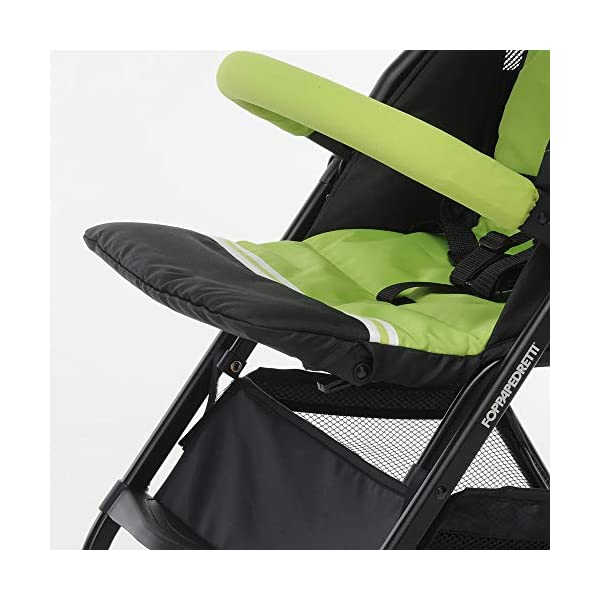 Foppapedretti Piùleggera Pushchair Sport Green Foppapedretti Lightweight stroller, suitable from birth, weighs only 3.6 kg - weight without accessories It is equipped with footrest and removable extendable hood with UPF 50+ sun protection (UV protection with 98% protection). Aluminium frame, folds flat for easy storage 3