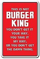これはハンバーガーではありませんキングマママザークックフード食通 メタルポスター壁画ショップ看板ショップ看板表示板金属板ブリキ看板情報防水装飾レストラン日本食料品店カフェ旅行用品誕生日新年クリスマスパーティーギフト