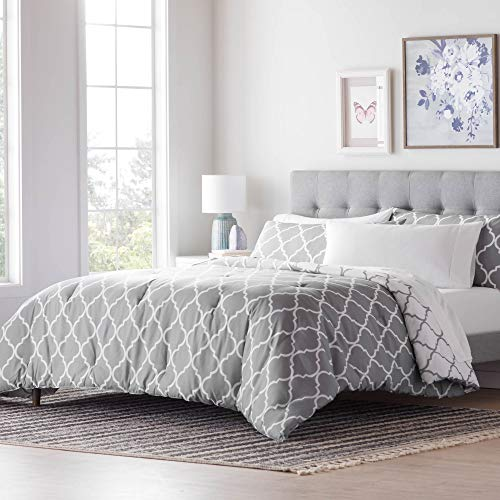 LINENSPA All- Season Reversible Alternative Hypoallergenic-Plush Fill-Machine Washable Microfiber Comforter, Full, Gray/White Quatrefoil
