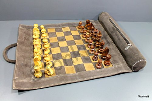 StonKraft 19 'x 15' (Tablero de ajedrez tamaño 12 'x 12') Genuino Juego de ajedrez de Cuero Enrollable - con Piezas de ajedrez de Madera - marrón Gris | Viene con una Bolsa de Transporte innovadora