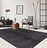 the carpet Relax Moderner Flauschiger Kurzflor Teppich, Anti-Rutsch Unterseite, Waschbar bis 30 Grad, Super Soft, Felloptik, Dunkelgrau, 160 x 230 cm