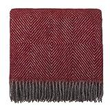 URBANARA 140x220 cm Wolldecke 'Gotland' Rot/Grau — 100prozent Reine skandinavische Wolle — Perfekt als Überwurf, Plaid oder Kuscheldecke für Sofa & Bett — Warme Decke aus Schurwolle mit Fransen