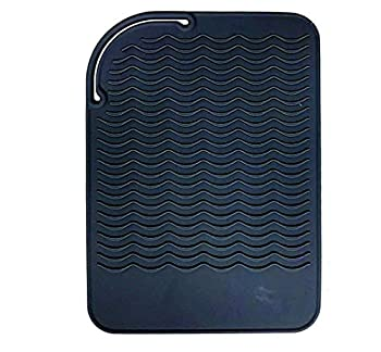 Heat Resistant Mat for Curling Irons Hair Straightener Flat Irons and Hair Styling Tools 9  x 6.5  Food Grade Silicone Black