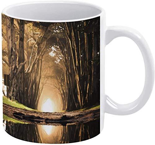 Taza de café con diseño de paisaje natural y paisaje natural