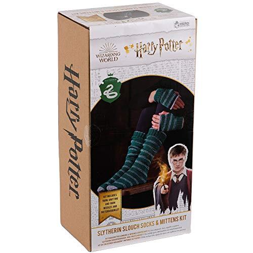 Harry-Potter-Strickset aus der Zauberwelt | Hogwarts Slytherin Slouch Socken und Fäustlinge Strickset von Eaglemoss Hero Collector