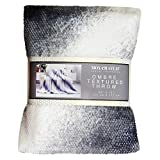 Mon Chateau Honeycomb Ombre Throw (Winter Grey)