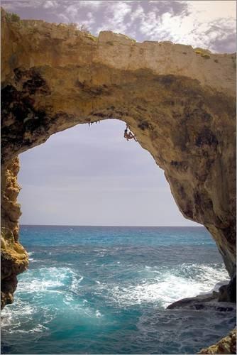 Poster 61 x 91 cm: Felskletterer auf Mallorca von Cory Richards/National Geographic - hochwertiger Kunstdruck, neues Kunstposter