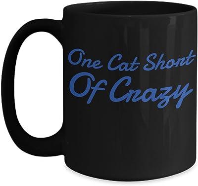 One Cat Shortのクレイジーブラック15オンスコーヒーマグ