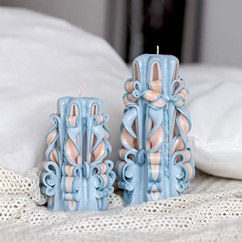 Mittelgroße, zarte dekorative, mit Paraffin geschnitzte Kerzen in Blau- und Beigetönen sind ein schönes Geschenk für Weihnachten und Geburtstag sowie für Muttertag Ostern.