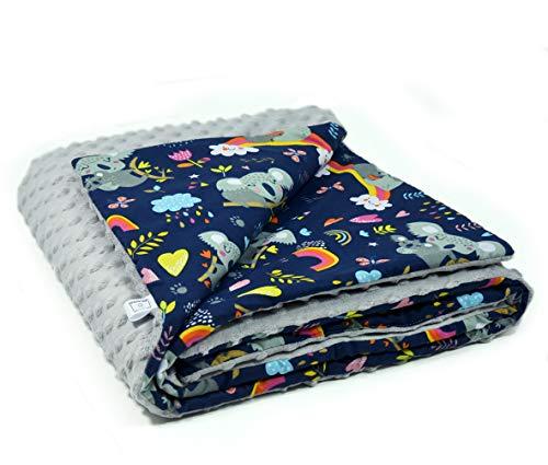 MoMika Babydecke für Jungen und Mädchen oder als Babyparty Geschenk - 75 cm x 100 cm – Baby Zubehör/Kuscheldecke/Baby Bettwäsche /Plüsch und Baumwolle - Europäisches Produkt